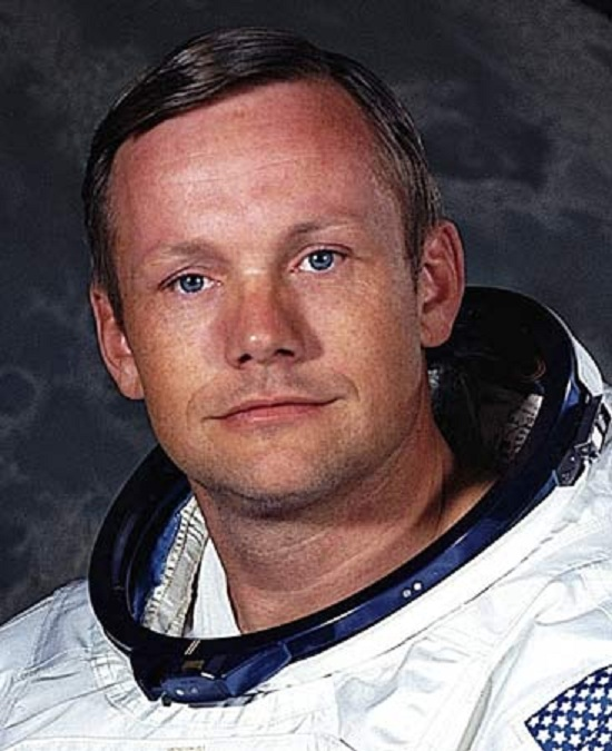 Astronaut Neil Armstrong Dies At 82 « UFO Sightings